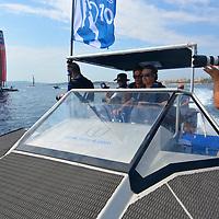 """Un rêve exaucé, un projet, une aventure... Tera-4 s'envole. <br /> <br /> Inventeurs des bateaux quadrimarans, la société Tera-4 développe la technologie """"QU4DRI®"""" et crée le re-nouveau de l'architecture navale. « Nous créons des bateaux efficients alliant l'aero-dynamisme à l'hydro-dynamisme pour offrir plus de stabilité, de vitesse, de confort et surtout une consommation extrêmement réduite ». L'équipe Tera-4 fabrique des bateaux qui s'adaptent à tout type de secteur : transports de passagers, militaire, de loisir, de sécurité..."""