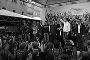 Il segretario della Lega Matteo Salvini con Silvio Berlusconi, Giorgia Meloni e Roberto Maroni sul palco della manifestazione della Lega Nord con Forza Italia e Fratelli d'Italia. Bologna, 8 novembre 2015. Guido Montani / OneShot<br /> <br /> Lega Nord leader Matteo Salvini with Silvio Berlusconi, Giorgia Meloni and Roberto Maroni during the Lega Nord, Fratelli d'Italia and Forza Italia gathering in piazza Maggiore. Bologna, 8 november 2015 Guido Montani / OneShot