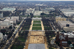 THEMENBILD - Blick vom Washington Monument auf die National Mall und und das Kapitol. Reisebericht, aufgenommen am 12. Jannuar 2016 in Washington D.C. // View from the Washington Monument on the National Mall and the Capitol and. Travelogue, Recorded January 12, 2016 in Washington DC. EXPA Pictures © 2016, PhotoCredit: EXPA/ Eibner-Pressefoto/ Hundt<br /> <br /> *****ATTENTION - OUT of GER*****