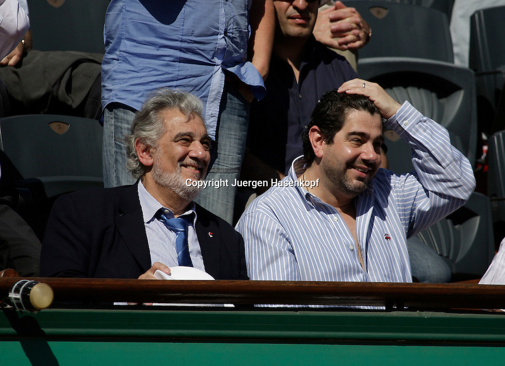 French Open 2009, Roland Garros, Paris, Frankreich,Sport, Tennis, ITF Grand Slam Tournament, <br /> <br /> Placido Domingo als Zuschauer auf der VIP Tribuene <br /> <br /> Foto: Juergen Hasenkopf