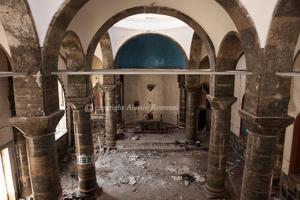 Iraq, Mosul: the damaged by airstrikes interior of Um Al Maonna church in west Mosul. Alessio Romenzi