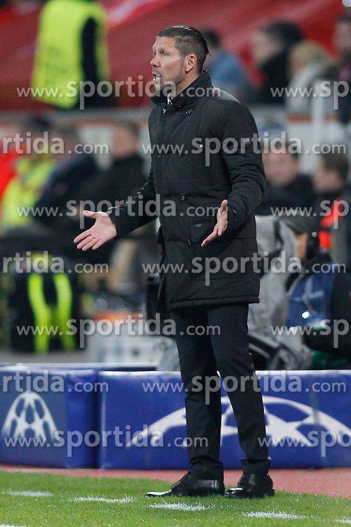25.02.2015, BayArena, Leverkusen, GER, UEFA CL, Bayer 04 Leverkusen vs Atletico Madrid, Achtelfinale, Hinspiel, im Bild Trainer Diego Simeone (Atletico Madrid) // during the UEFA Champions League Round of 16, 1st Leg match between between Bayer 04 Leverkusen and Club Atletico de Madrid at the BayArena in Leverkusen, Germany on 2015/02/25. EXPA Pictures &copy; 2015, PhotoCredit: EXPA/ Eibner-Pressefoto/ EXPA/ Schueler<br /> <br /> *****ATTENTION - OUT of GER*****