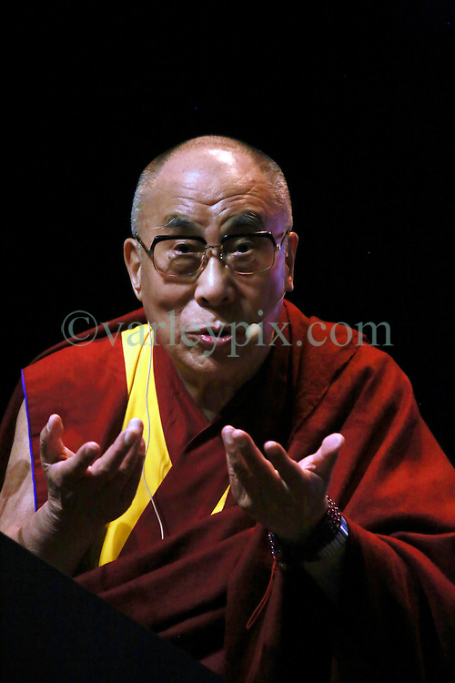 17 May 2013. New Orleans, Louisiana,  USA..His Holiness the 14th Dalai Lama speaks at the Morial Convention Center  in New Orleans for the 'Resiliance - Strength through Compassion and Connection' conference. .Photo; Charlie Varley.