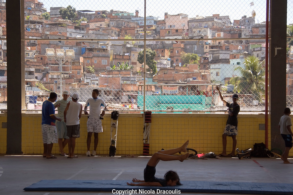 Hanging in the Gym, Complexo do Alemão 2006.<br /> Part of the series Viver no Meio do Barulho (Living in the Middle of the Noise) .