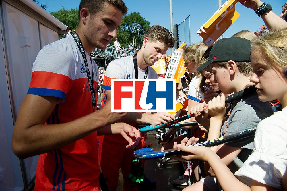 BREDA - Rabobank Hockey Champions Trophy<br /> 3rd/4th place The Netherlands - Argentina<br /> The Netherlands win the bronze medal.<br /> Photo: Jonas de Geus and Lars Balk.<br /> COPYRIGHT WORLDSPORTPICS FRANK UIJLENBROEK