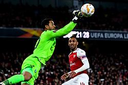 Pierre-Emerick Aubameyang of Arsenal watches as Renan Ribeiro of Sporting Lisbon punches the ball clear - Mandatory by-line: Robbie Stephenson/JMP - 08/11/2018 - FOOTBALL - Emirates Stadium - London, England - Arsenal v Sporting Lisbon - UEFA Europa League