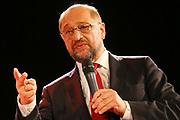 Mannheim. 19.09.17 | SPD-Kanzlerkandidat Martin Schulz im Capitol Mannheim.<br /> Im Wahlkampf zur Bundestagswahl unterstützt Kanzlerkandidat Martin Schulz Mannheims SPD Bundestagsabgeordneter Stefan Rebmann.<br /> <br /> <br /> BILD- ID 2394 |<br /> Bild: Markus Prosswitz 19SEP17 / masterpress (Bild ist honorarpflichtig - No Model Release!)