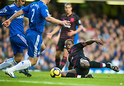LONDON, ENGLAND - Saturday, December 12, 2009: Everton's Louis Saha in action against Chelsea during the Premiership match at Stamford Bridge. (Photo by David Rawcliffe/Propaganda)