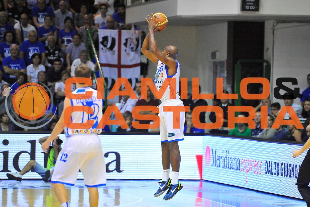 DESCRIZIONE : Campionato 2013/14 Quarti di Finale GARA 2 Dinamo Banco di Sardegna Sassari - Enel Brindisi<br /> GIOCATORE : Caleb Green<br /> CATEGORIA : Tiro Tre Punti Controcampo<br /> SQUADRA : Dinamo Banco di Sardegna Sassari<br /> EVENTO : LegaBasket Serie A Beko Playoff 2013/2014<br /> GARA : Dinamo Banco di Sardegna Sassari - Enel Brindisi<br /> DATA : 21/05/2014<br /> SPORT : Pallacanestro <br /> AUTORE : Agenzia Ciamillo-Castoria / Luigi Canu<br /> Galleria : LegaBasket Serie A Beko Playoff 2013/2014<br /> Fotonotizia : DESCRIZIONE : Campionato 2013/14 Quarti di Finale GARA 2 Dinamo Banco di Sardegna Sassari - Enel Brindisi<br /> Predefinita :