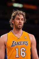 09 November 2012: Forward (16) Pau Gasol of the Los Angeles Lakers against the Golden State Warriors during the first half of the Lakers 101-77 victory over the Warriors at the STAPLES Center in Los Angeles, CA.