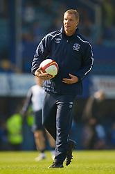 PORTSMOUTH, ENGLAND - Saturday, March 21, 2009: Everton's goalkeeping coach Chris Woods before the Premiership match against Portsmouth at Fratton Park. (Photo by David Rawcliffe/Propaganda)