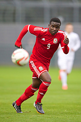 NEWPORT, WALES - Thursday, September 25, 2014: Wales' Ibi Sosani in action against France during the Under-16's International Friendly match at Dragon Park. (Pic by David Rawcliffe/Propaganda)
