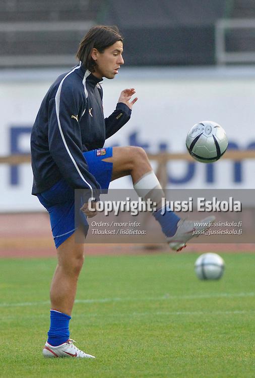 Milan Baros.&amp;#xA;Tshekin harjoitukset, Olympiastadion 2005.&amp;#xA;Photo: Jussi Eskola<br />