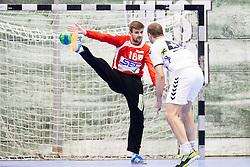 03.02.2017, BSFZ Suedstadt, Maria Enzersdorf, AUT, HLA, SG INSIGNIS Handball WESTWIEN vs HC FIVERS WAT Margareten, HLA Oberes Playoff, 1. Runde, im Bild Florian Kaiper (SG INSIGNIS Handball WESTWIEN), Vytautas Ziura (HC FIVERS WAT Margareten) // during Handball League Austria, upper play off, 1 st round match between SG INSIGNIS Handball WESTWIEN and HC FIVERS WAT Margareten at the BSFZ Suedstadt, Maria Enzersdorf, Austria on 2017/02/03, EXPA Pictures © 2017, PhotoCredit: EXPA/ Sebastian Pucher