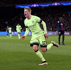 Kevin De Bruyne of Manchester City celebrates scoring the opening goal - Mandatory by-line: Robbie Stephenson/JMP - 06/04/2016 - FOOTBALL - Parc des Princes - Paris,  - Paris Saint-Germain v Manchester City - UEFA Champions League Quarter Finals First Leg