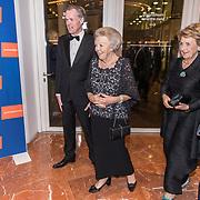 NLD/Amsterdam/20191114 - Prinses Beatrix en Prinses Margriet bij jubileum Dansersfonds, Prinses Beatrix en Prinses Margriet