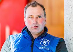 10.01.2020, Streif, Kitzbühel, AUT, FIS Weltcup Ski Alpin, Schneekontrolle durch die FIS, im Bild Thomas Voithofer (Rennstrecken Begrenzungen) // Thomas Voithofer racetrack boundary during snow control by the FIS for the FIS ski alpine world cup at the Streif in Kitzbühel, Austria on 2020/01/10. EXPA Pictures © 2020, PhotoCredit: EXPA/ Stefan Adelsberger