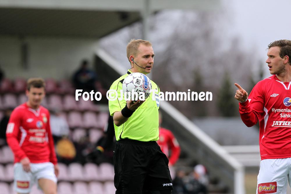 13.4.2014, Myllykoski, Kouvola.<br /> Veikkausliiga 2014.<br /> Myllykosken Pallo-47 - FC Lahti.<br /> Erotuomari Dennis Antamo