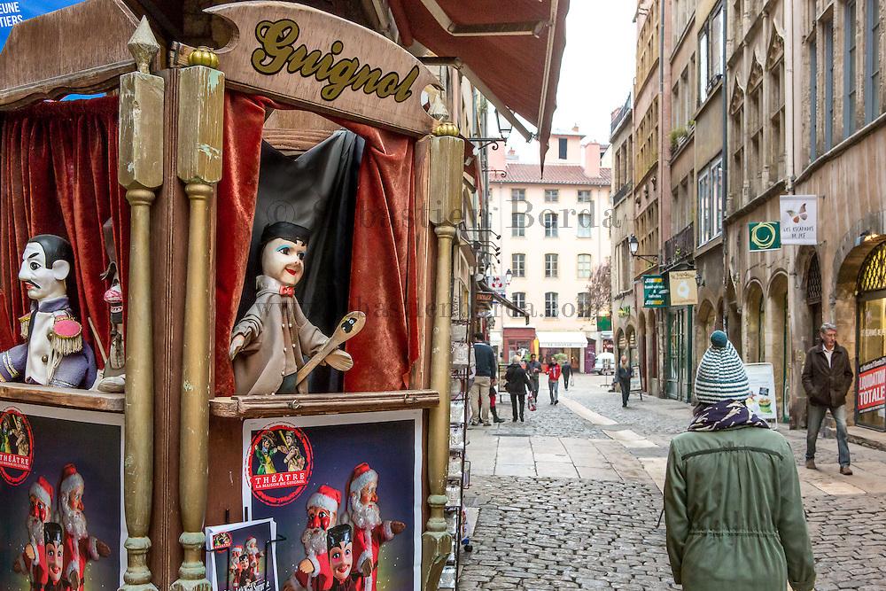 Marionnette Guignol de la devanture de la boutique Design' Cardelli // Guignol puppet of Design'Cardelli shop in old town lyon