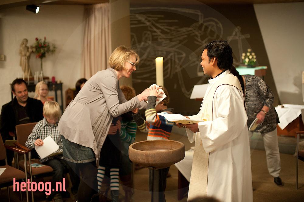 Nederland, hengelo 26feb2012 doop jesse steghuis