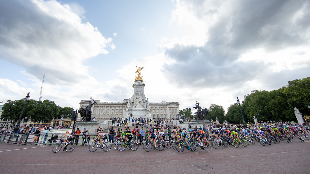The peloton passes Buckingham Palace. The Prudential RideLondon Classique. Saturday 28th July 2018<br /> <br /> Photo: Ian Walton for Prudential RideLondon<br /> <br /> Prudential RideLondon is the world's greatest festival of cycling, involving 100,000+ cyclists - from Olympic champions to a free family fun ride - riding in events over closed roads in London and Surrey over the weekend of 28th and 29th July 2018<br /> <br /> See www.PrudentialRideLondon.co.uk for more.<br /> <br /> For further information: media@londonmarathonevents.co.uk