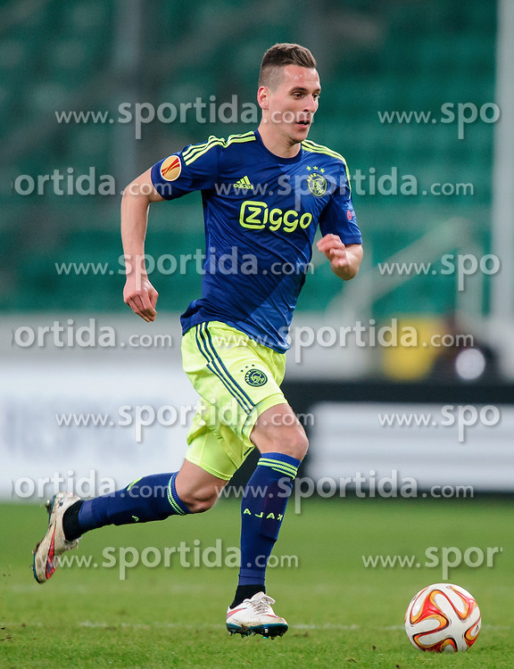 26.02.2015, Pepsi Arena, Warschau, POL, UEFA EL, Legia Warschau vs Ajax Amsterdam, 1. Runde, R&uuml;ckspiel, im Bild ARKADIUSZ MILIK SYLWETKA // PILKA NOZNA during the UEFA Europa League 1st Round, 2nd Leg match between Legia Warschau and Ajax Amsterdam at the Pepsi Arena in Warschau, Poland on 2015/02/26. EXPA Pictures &copy; 2015, PhotoCredit: EXPA/ Newspix/ RAFAL OLEKSIEWICZ<br /> <br /> *****ATTENTION - for AUT, SLO, CRO, SRB, BIH, MAZ, TUR, SUI, SWE only*****