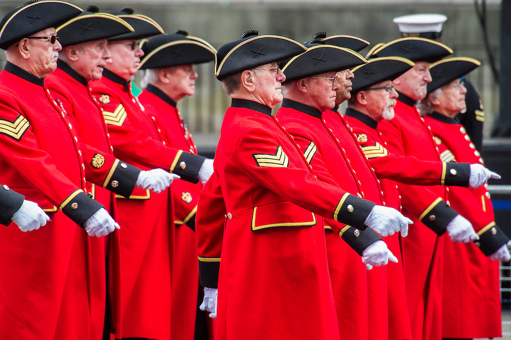 Chelsea pensioners, and descendants march past. A commemoration in London to mark the Centenary of the Gallipoli Campaign 25 April 2015 at the Cenotaph on Whitehall, Westminster. Descendants of those who fought in the campaign also march past, led by military personnel, as part of the ceremony. This is an addition to the usual annual ceremony organized byvThe High Commissions of Australia and New Zealand.Guy Bell, 07771 786236, guy@gbphotos.com