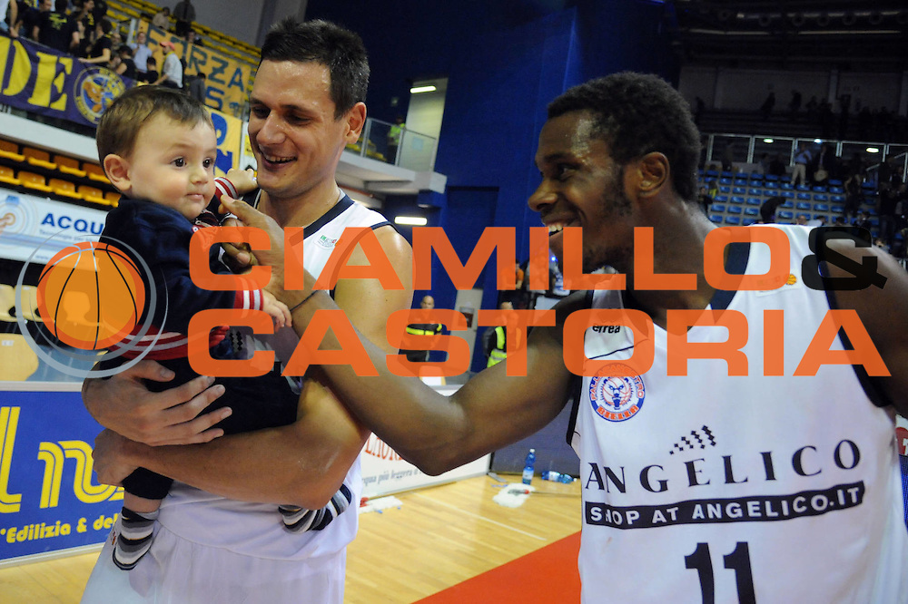 DESCRIZIONE : Biella LNP DNA Adecco Gold 2013-14 Angelico Biella Manital Torino<br /> GIOCATORE : Simone Berti Eric Lombardi<br /> CATEGORIA : Esultanza Curiosita<br /> SQUADRA : Angelico Biella<br /> EVENTO : Campionato LNP DNA Adecco Gold 2013-14<br /> GARA : Angelico Biella Manital Torino<br /> DATA : 20/10/2013<br /> SPORT : Pallacanestro<br /> AUTORE : Agenzia Ciamillo-Castoria/Max.Ceretti<br /> Galleria : LNP DNA Adecco Gold 2013-2014<br /> Fotonotizia : Biella LNP DNA Adecco Gold 2013-14 Angelico Biella<br /> Predefinita :