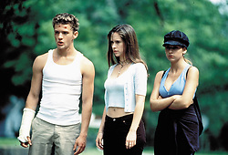 1998; I Know What You Did Last Summer. Original Film Title: I Know What You Did Last Summer, PICTURED: RYAN PHILLIPPE, JENNIFER LOVE HEWITT, SARAH MICHELLE GELLAR, Composer: John Debney, Director: Jim Gillespie, IN CAST: Johnny Galecki, Bridgette Wilson, Anne Heche, Muse Watson, Ryan Phillippe, Jennifer Love Hewitt, Sarah Michelle Gellar, Freddie Prinze  (Credit Image: © MANDALAY ENTERTAIMENT/Entertainment Pictures/ZUMAPRESS.com)