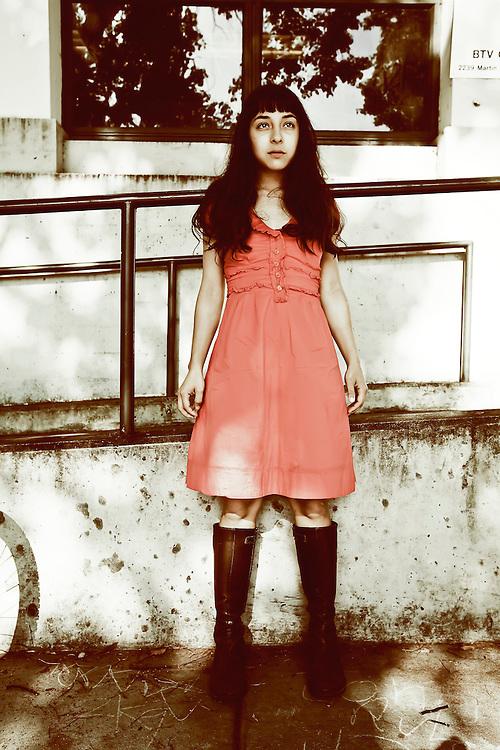 Singer/songwriter Laura Weinbach of Foxtails Brigade in Berkeley, CA.  Copyright 2009 Reid McNally.