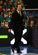 DESCRIZIONE : Atene Eurolega 2008-09 Quarti di Finale Gara 1 Panathinaikos Montepaschi Siena<br /> GIOCATORE : Simone Pianigiani<br /> SQUADRA : Montepaschi Siena<br /> EVENTO : Eurolega 2008-2009<br /> GARA : Panathinaikos Montepaschi Siena<br /> DATA : 24/03/2009<br /> CATEGORIA : ritratto<br /> SPORT : Pallacanestro<br /> AUTORE : Agenzia Ciamillo-Castoria/Action Images.gr