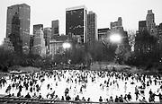 Ice skating Central Park. New York. 1993. © Copyright Photograph by Dafydd Jones 66 Stockwell Park Rd. London SW9 0DA Tel 020 7733 0108 www.dafjones.com