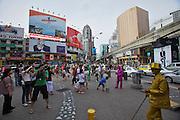 Malaysia, Kuala Lumpur. Bukit Bintang shopping and entertainment district. Living satues.