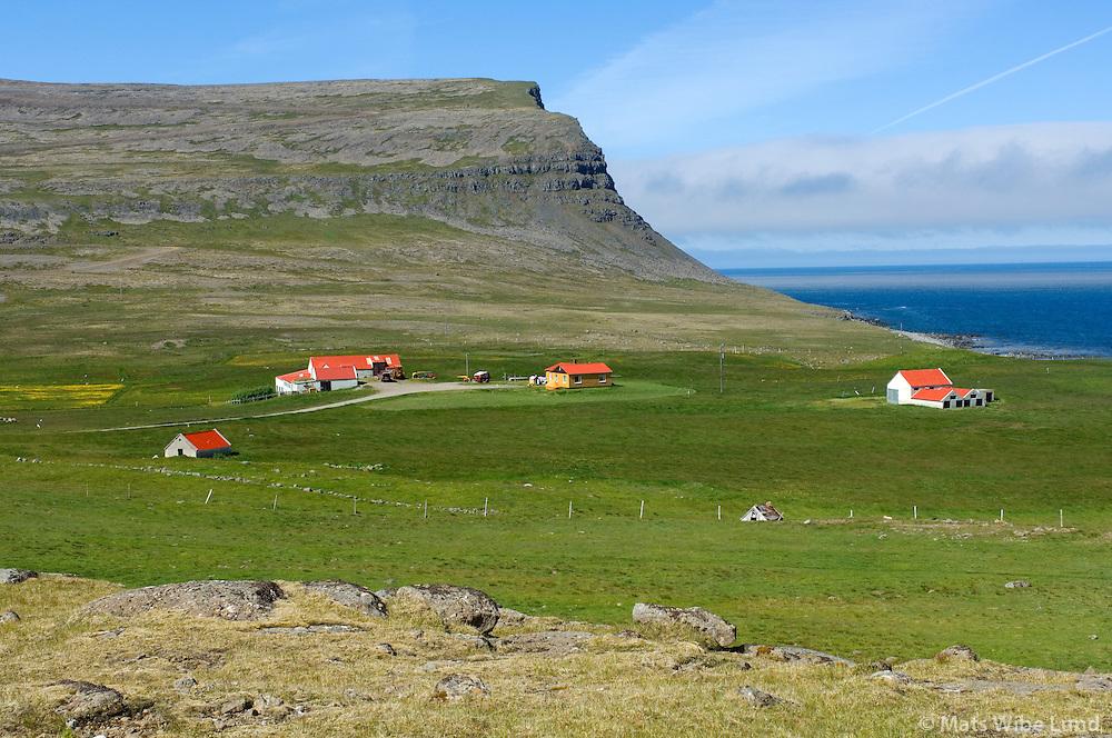 Hænuvík séð til vesturs, Vesturbyggð áður Rauðasandshreppur / Haenuvik viewing west, Vesturbyggd former Raudasandshreppur.