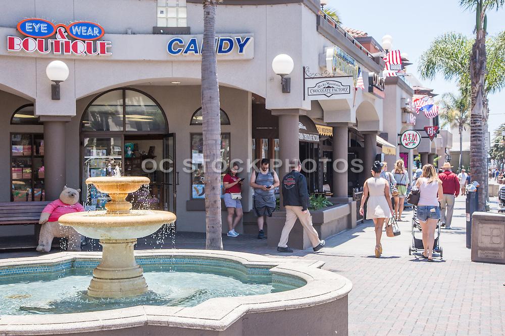Shopping Downtown Huntington Beach