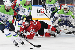 06.05.2017, AccorHotels Arena, Paris, FRA, IIHF WM 2017, Schweiz vs Slowenien, Gruppe B, im Bild Gaetan Haas (M, SUI) gegen Rok Ticar (SLO) und Robert Sabolic (SLO) // during the group B match of 2017 IIHF World Championship between Switzerland and Slovenia at the AccorHotels Arena in Paris, France on 2017/05/06. EXPA Pictures &copy; 2017, PhotoCredit: EXPA/ Freshfocus/ Urs Lindt<br /> <br /> *****ATTENTION - for AUT, SLO, CRO, SRB, BIH, MAZ, ITA only*****