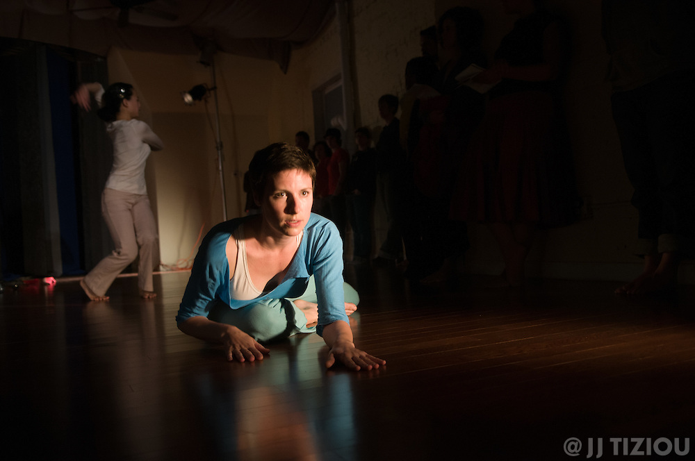 Slip - a dance piece by Meg Foley / Moving Research - at Studio 34 in west philly - with Megan Bridge, Alison D'Amato, Devynn Emory, Erin Foreman-Murray, Michele Tantoco and Christina Zani<br /> <br /> Photo must be credited to &quot;Jacques-Jean Tiziou / www.jjtiziou.net&quot; adjacent to the image. Online credits should link to www.jjtiziou.net. Photo may only be used as permitted by the photographer.
