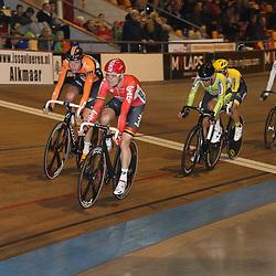 20-12-2015: Wielrennen: NK Baan: Alkmaar<br />ALKMAAR (NED) baanwielrennen<br />Pim Ligthart gaat Jesper Asselman en Wim Stroetinga voor in een van de sprints