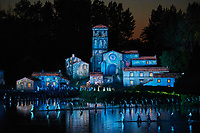 France, Vendée (85), Les Epesses, Parc du Puy du Fou, spectacle nocturne Cinéscénie // France, Vendée, Les Epesses, Parc du Puy du Fou, night time show the Cinescenie