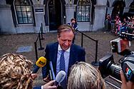 DEN HAAG - Wouter Koolmees (D66) en Alexander Pechtold (D66) bij aankomst op het Binnenhof voor onderhandelingen voor de kabinetsformatie met VVD, CDA, D66 en ChristenUnie onder leiding van informateur Gerrit Zalm. copyrigth robin utrecht