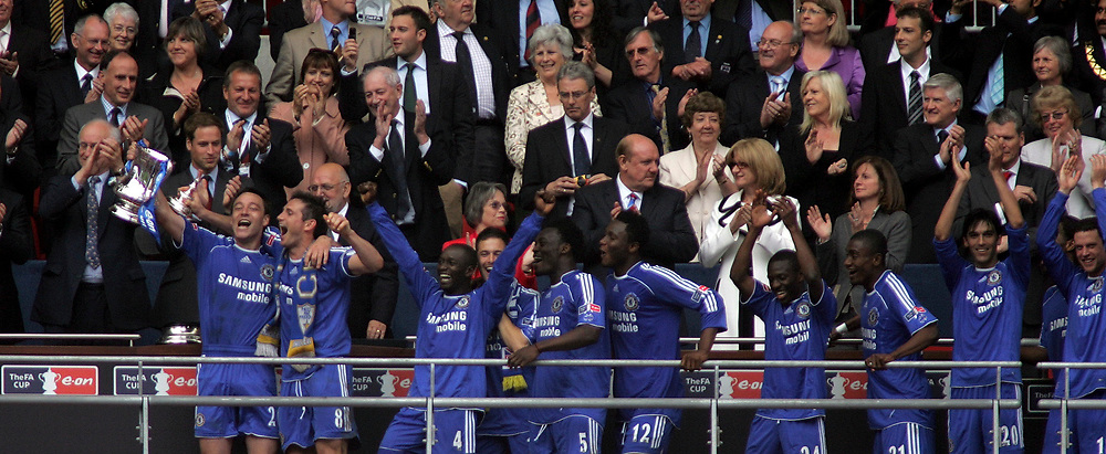 Photo: Paul Thomas.<br /> Chelsea v Manchester United. The FA Cup Final. 19/05/2007.<br /> <br /> John Terry and Chelsea lift the trophy.