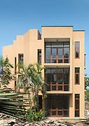 Geoffrey Bawa. The Fernando and Martenstyn Houses<br /> (1963 and 1978)<br /> Kannangara Mawatha, Colombo &ndash; Cinnamon Gardens