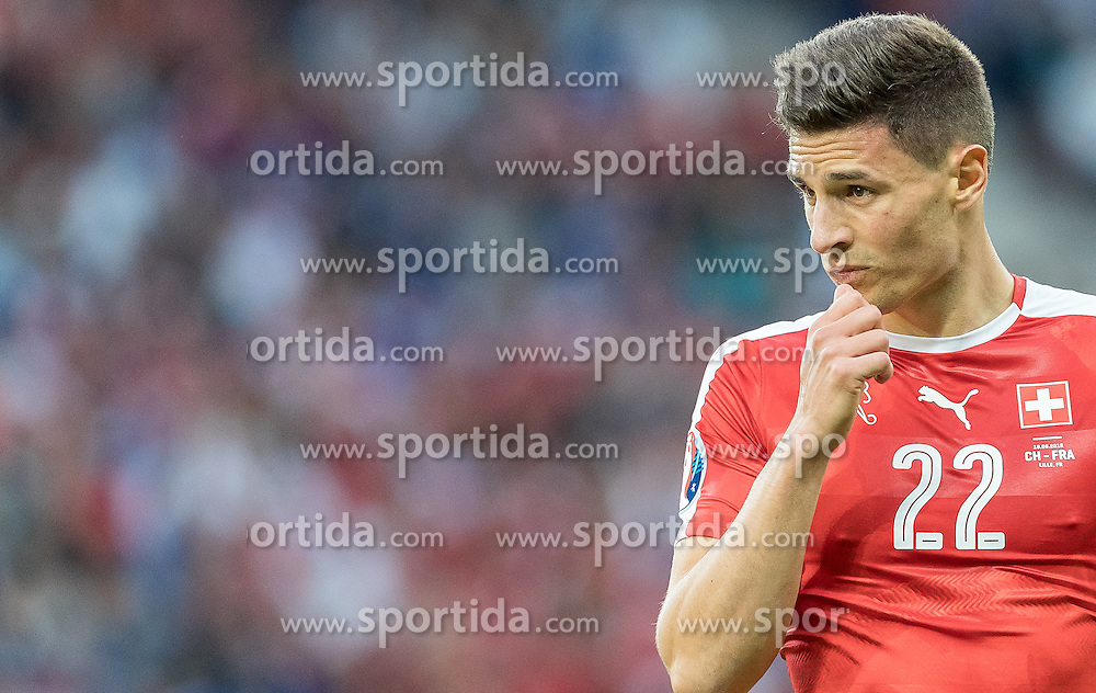 19.06.2016, Stade Pierre Mauroy, Lille, FRA, UEFA Euro, Frankreich, Schweiz vs Frankreich, Gruppe A, im Bild Fabian Schaer (SUI) // Fabian Schaer (SUI) during Group A match between Switzerland and France of the UEFA EURO 2016 France at the Stade Pierre Mauroy in Lille, France on 2016/06/19. EXPA Pictures © 2016, PhotoCredit: EXPA/ JFK