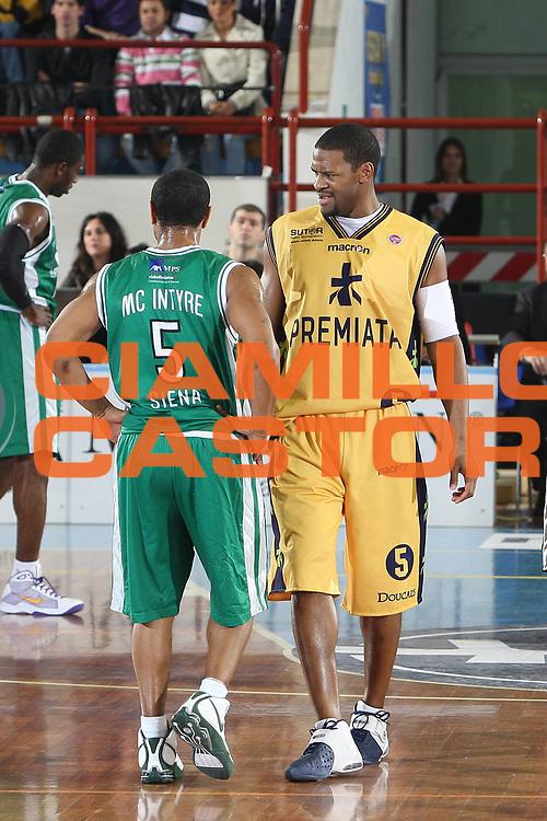 DESCRIZIONE : Porto San Giorgio Lega A 2008-09 Premiata Montegranaro Montepaschi Siena<br /> GIOCATORE : Ricky Minard<br /> SQUADRA : Premiata Montegranaro <br /> EVENTO : Campionato Lega A 2008-2009<br /> GARA : Premiata Montegranaro Montepaschi Siena<br /> DATA : 15/03/2009<br /> CATEGORIA : <br /> SPORT : Pallacanestro<br /> AUTORE : Agenzia Ciamillo-Castoria/C.De Massis