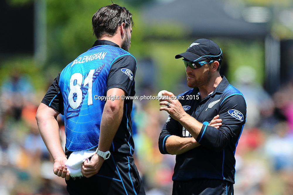 Black Cap Captain Brendon McCullum talks with Mitchell McClenaghan during Match 4 of the ANZ One Day International Cricket Series between New Zealand Black Caps and Sri Lanka at Saxton Oval, Nelson, New Zealand. Tuesday 20 January 2015. Copyright Photo: Chris Symes/www.Photosport.co.nz