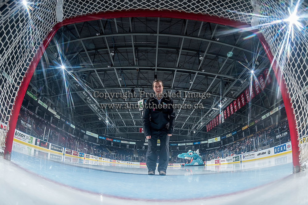 KELOWNA, CANADA - NOVEMBER 25: Ice crew focus the net cam on November 25, 2017 at Prospera Place in Kelowna, British Columbia, Canada.  (Photo by Marissa Baecker/Shoot the Breeze)  *** Local Caption ***