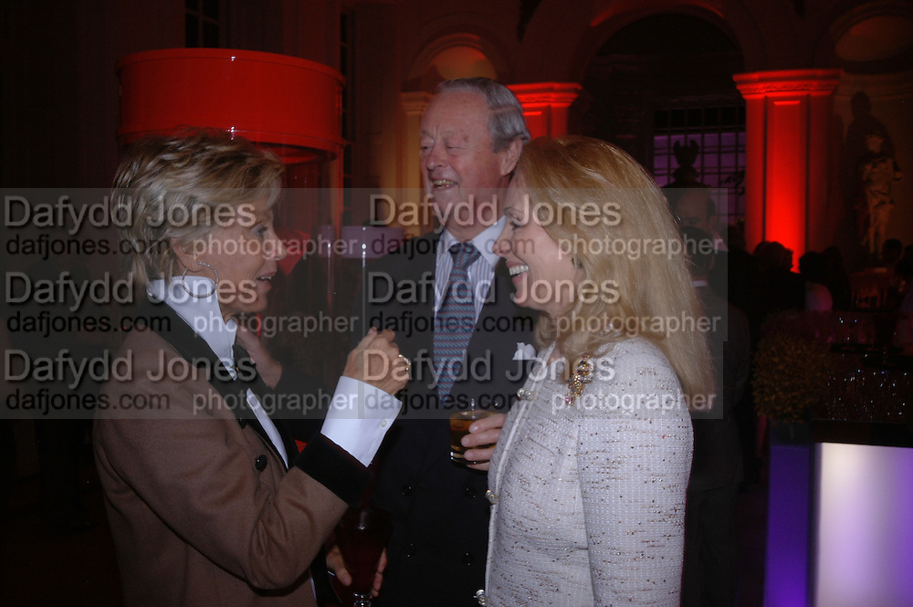 Mrs. Bluey Mavroleon, Mrs. Alfred Taubman and the Duke of Marlborough, Cartier party to celebrate the Blooming of a precious jewel. the Orangery. Kensington Palace. London.  25 October 2005. October 2005. ONE TIME USE ONLY - DO NOT ARCHIVE © Copyright Photograph by Dafydd Jones 66 Stockwell Park Rd. London SW9 0DA Tel 020 7733 0108 www.dafjones.com