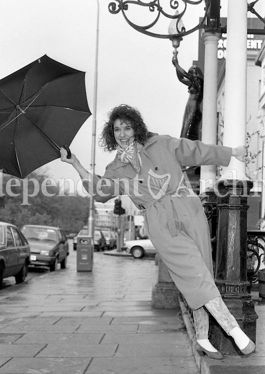 Celine Dion pictured at the Shelbourne Hotel, 01/05/1988 (Part of the Independent Newspapers Ireland/NLI Collection).