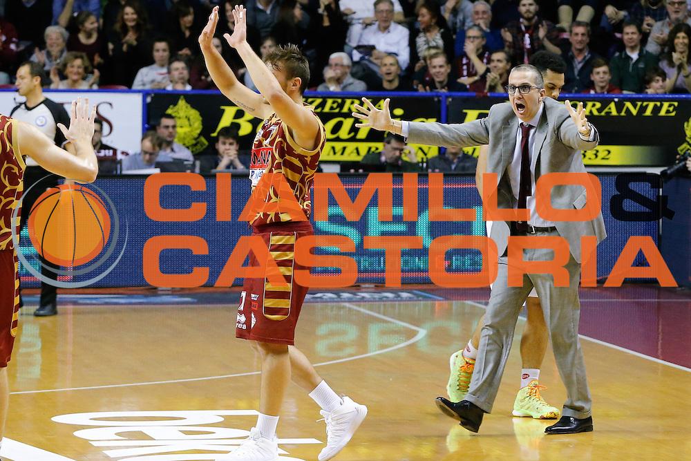 DESCRIZIONE : Venezia Lega A 2015-16 Umana Reyer Venezia Dolomiti Energia Trentino<br /> GIOCATORE : Walter DE Raffaele<br /> CATEGORIA : Ritratto Delusione<br /> SQUADRA : Umana Reyer Venezia Dolomiti Energia Trentino<br /> EVENTO : Campionato Lega A 2015-2016<br /> GARA : Umana Reyer Venezia Dolomiti Energia Trentino<br /> DATA : 28/12/2015<br /> SPORT : Pallacanestro <br /> AUTORE : Agenzia Ciamillo-Castoria/G. Contessa<br /> Galleria : Lega Basket A 2015-2016 <br /> Fotonotizia : Venezia Lega A 2015-16 Umana Reyer Venezia Dolomiti Energia Trentino