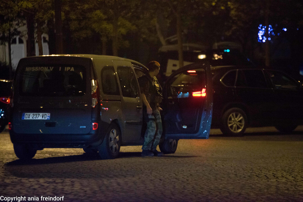 Terror Attack Champs Elysee, police officer and suspect shot dead on Champs Elysees in attack claimed by Islamic State, one tourist woman injured, another french police officer badly injured, Paris, France, army